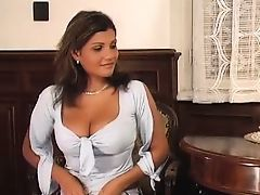 2 girls anal