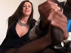 British Milf Lara enjoy a BBC.