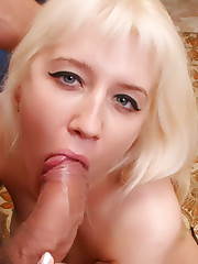 Sexy Blondie gets Ass fucked