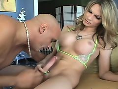 Lovely TS Kelly in passionate blowjob
