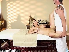 TrickySpa How'd this Masseur get her to Fuck?