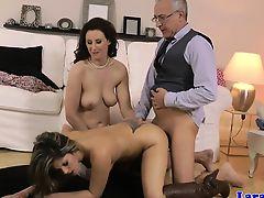 British milf pussyfucking in threesome
