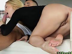Spermy toes babe fucks